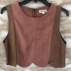 Cropped Scalloped Edge Top